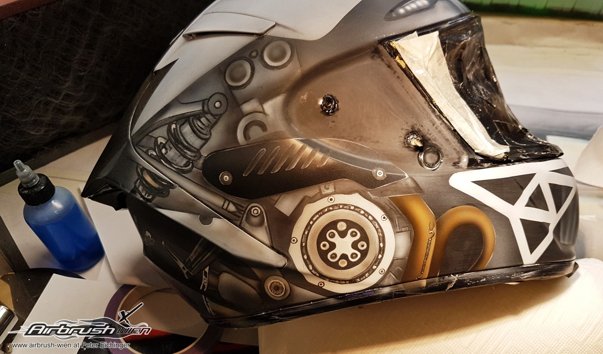 Airbrush Helm Lackierung